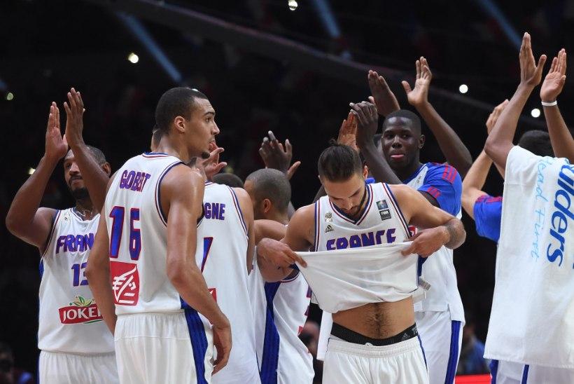 GALERII   Prantsusmaa võitis kodupubliku meeleheaks pronksi