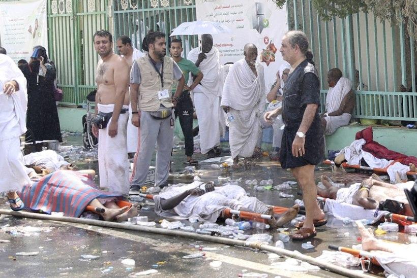 Massipaanikas hukkus ligi 1000 palverändurit
