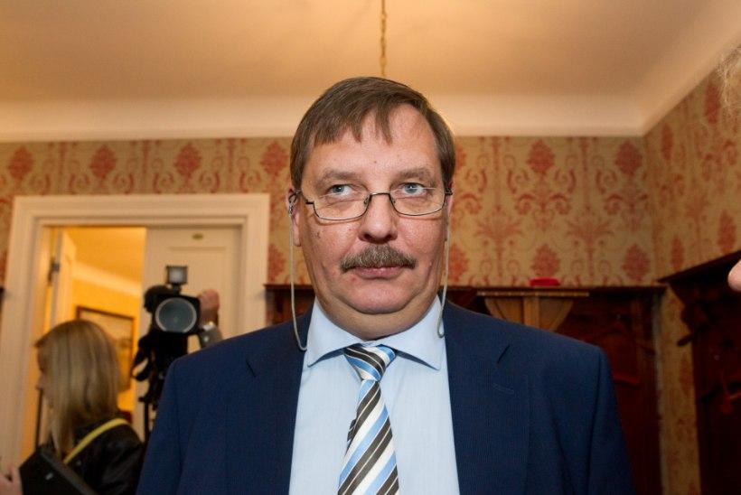 Ei autojuhte ega nõunikearmeed – kohus kõrvaldas Savisaare linnapea ametist