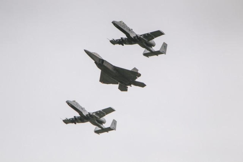 FOTOD | Vaata Ämaris maandunud ultramoodsat hävitajat!