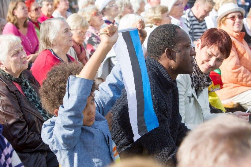 GALERII | Tuhanded inimesed toetasid Vabaduse väljakul sõbralikku ja avatud Eestit