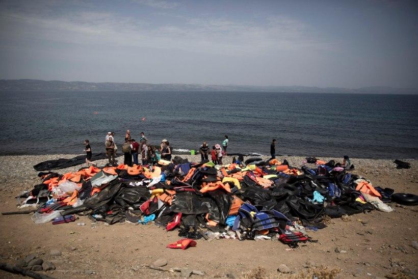 FOTOD JA VIDEO | Lesbosel puhkesid kokkupõrked migrantide ja märulipolitsei vahel