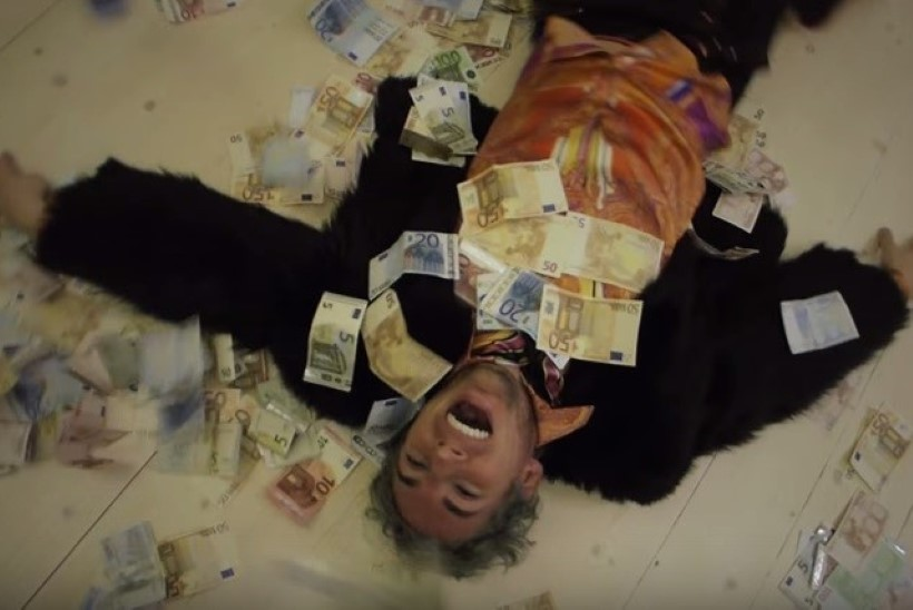 TOMMY CASH VS STRIPPAR MARCO: kumma muusikavideo on seksikam ja pöörasem?