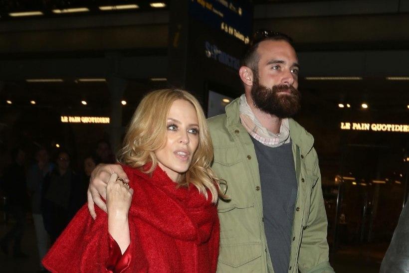 Kylie Minogue on kihlatud?