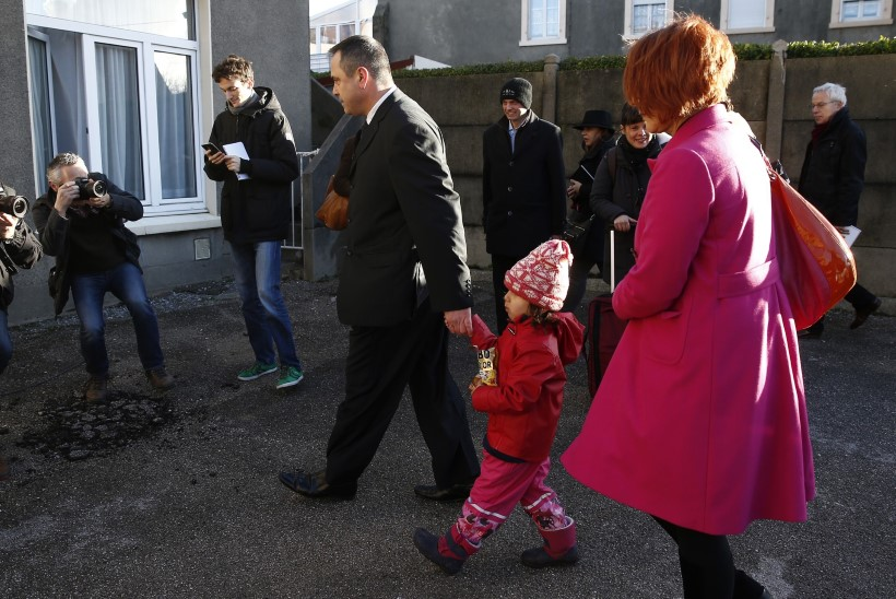 FOTOD | Calais's afganistani last smugeldada üritanud britt palub Prantsuse kohtult halastust