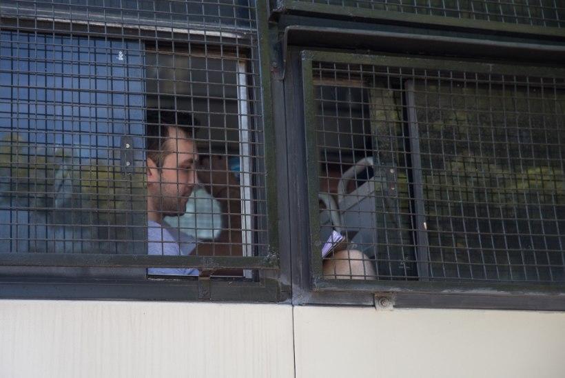 Eesti konsul pääses täna vanglasse laevakaitsjate juurde