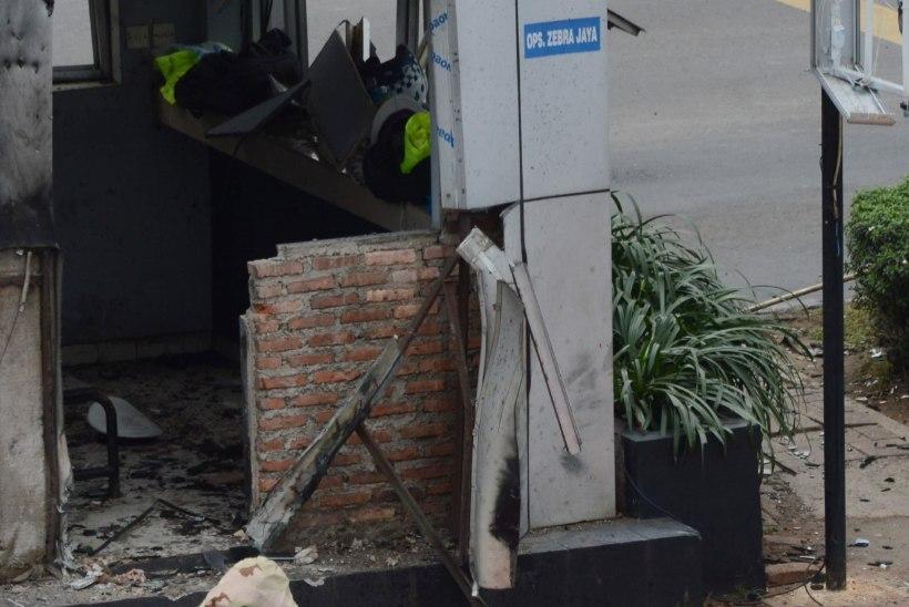 FOTOD JA VIDEO | Jakartas plahvatasid granaadid ja tulistati, hukkunuid on vähemalt kuus