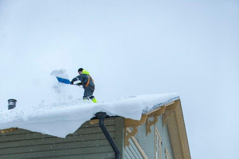 Lumisel katusel on alpinisti sõber köis ja korsten