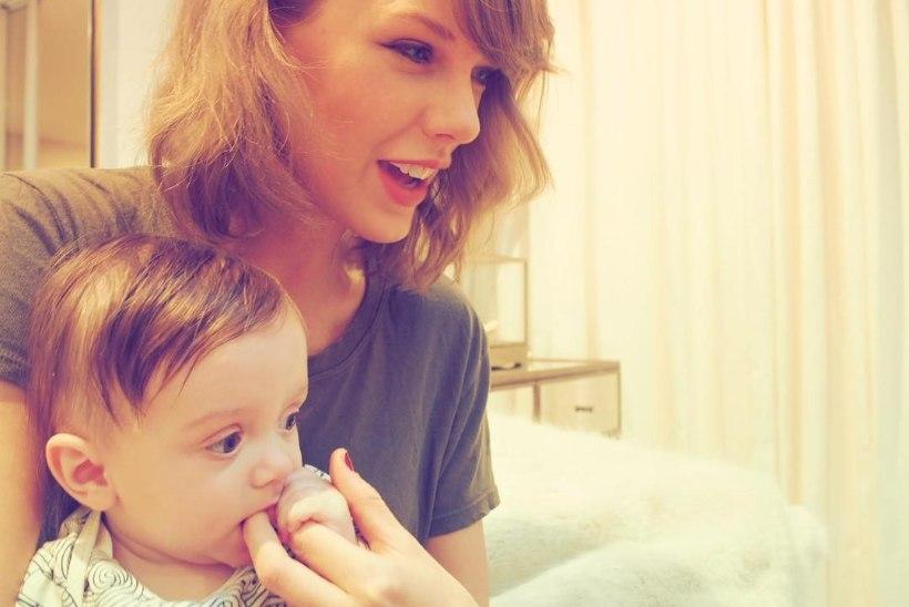 ARMAS! Taylor Swift käis külas ristipojal
