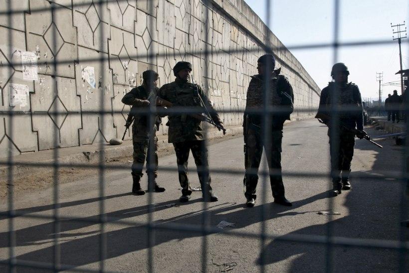 Indias ründasid relvastatud mehed õhujõudude baasi