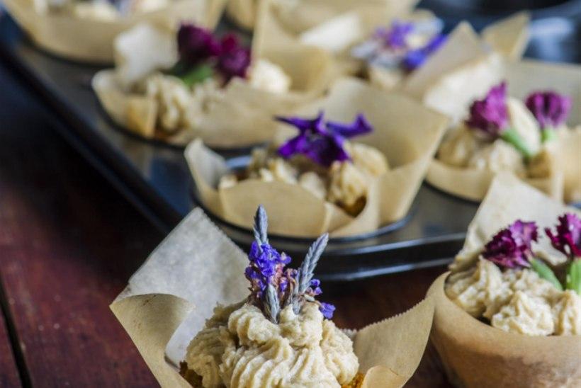 Tatrajahust muffinid tahini-kreemiga