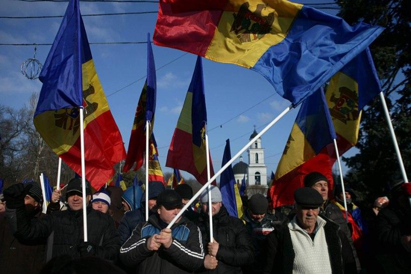 Kümned tuhanded tulid Moldovas tänavale
