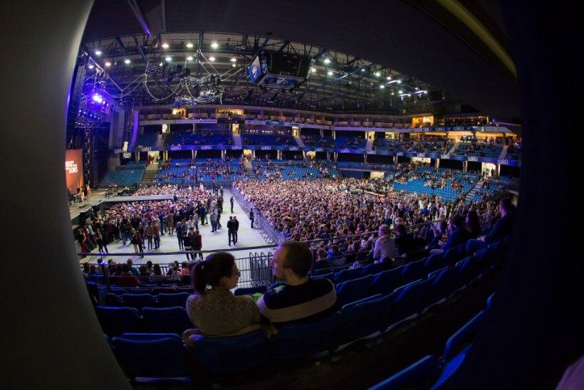 GALERII | Imagine Dragons küttis lava kuumaks ja ajas fännid pöördesse