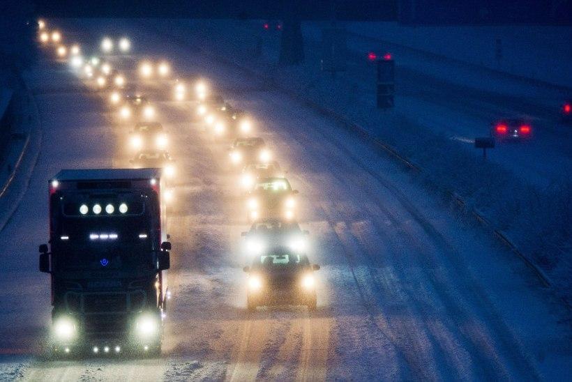 Sloveenia kiirteel sattus õnnetusse rohkem kui poolsada autot