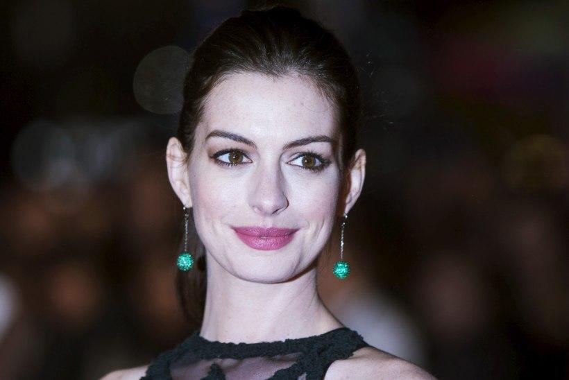 Anne Hathaway kinnitas raseduskõlakaid