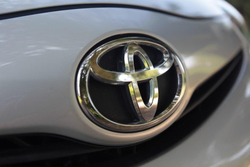 Suure saaga lõpp: lukksepal käsi maha raiuda lubanud kasahhitar ja Toyota esindus jõudsid viimaks kokkuleppele