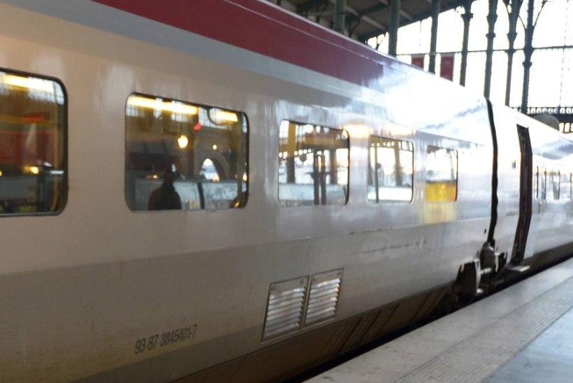 VAPUSTUS: Pariisis üritas afgaanide kamp vägistada rongis noort naist