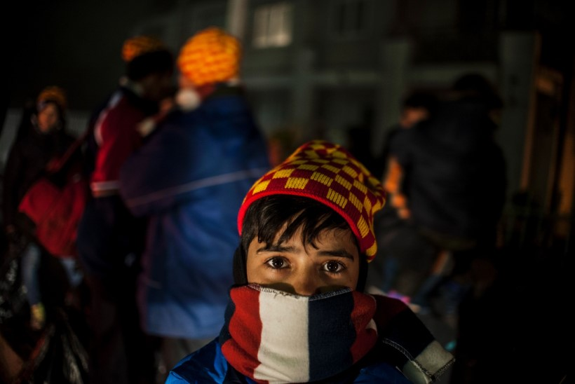 GALERII | Migrandid trotsivad vihma, et jõuda jääkülma Euroopasse
