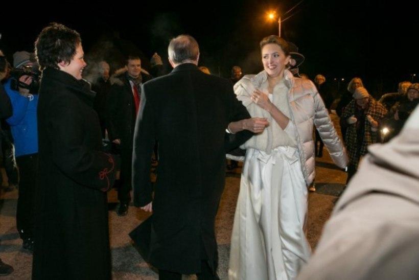 Moeväljaanne: Ieva Ilves kandis oma pulmas midagi sellist nagu sina hommikul tööle minnes!