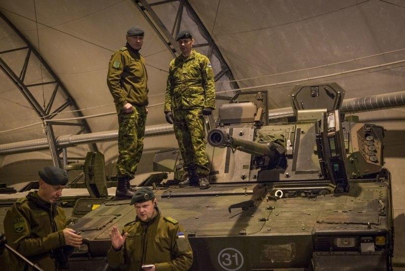 FOTOD | kaitsevägi esitles Tapal oma uut soomusvõimet