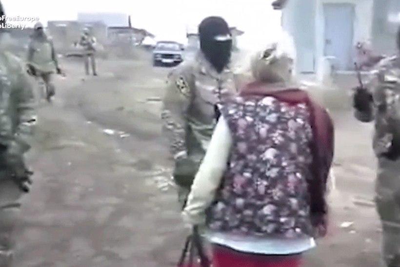 VIDEO   Vene politsei korraldas krimmitatarlaste juures läbiotsimise