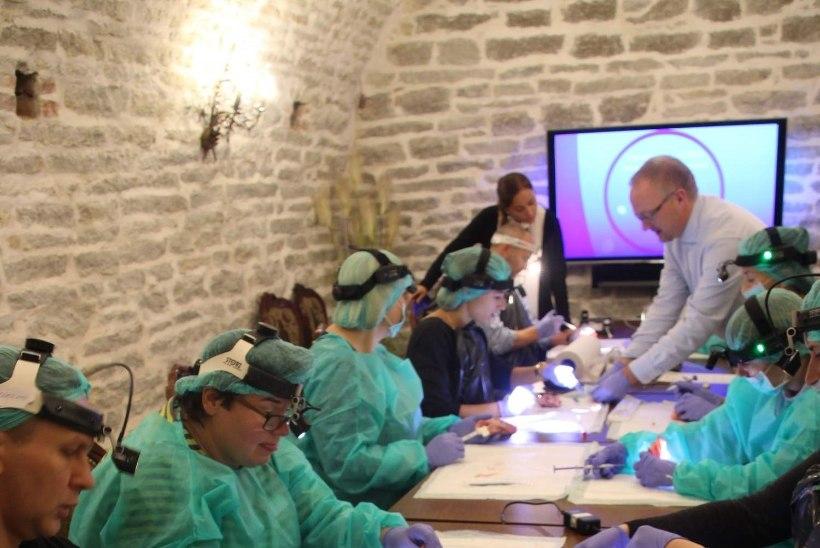Kõrva-nina-kurguarstid harjutasid rahvusvahelisel seminaril uusi ravimeetodeid