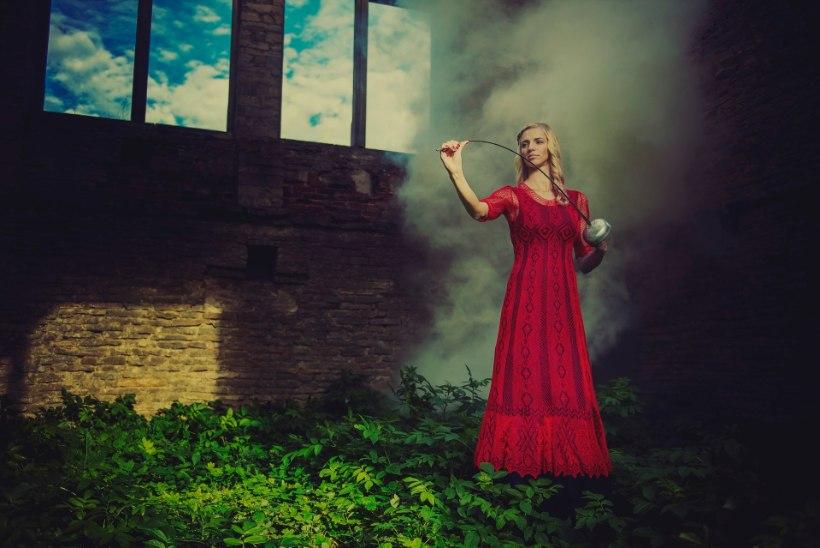 Tippvehkleja Katrina Lehis sobib ka fotomodelliks!