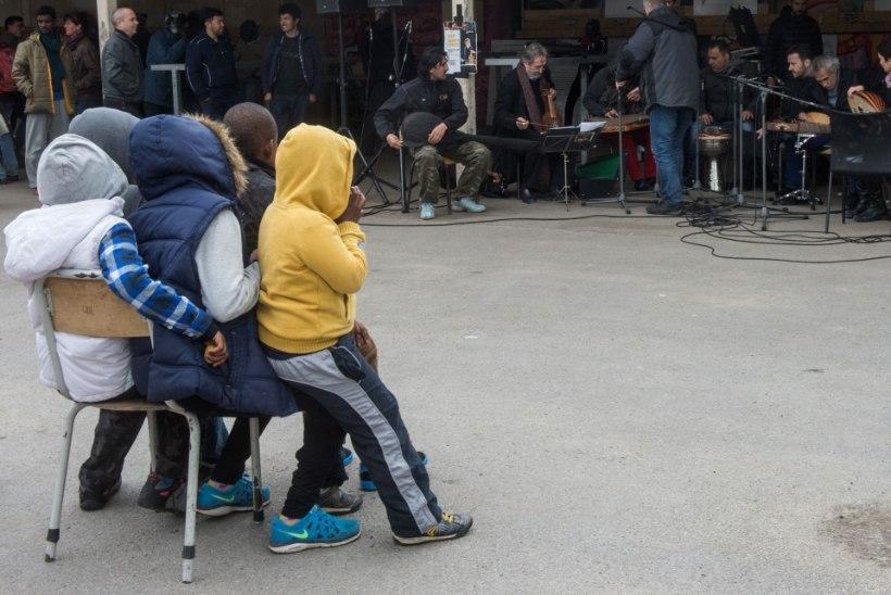 Calais'st saabub täna Inglismaale 14 lapspõgenikku