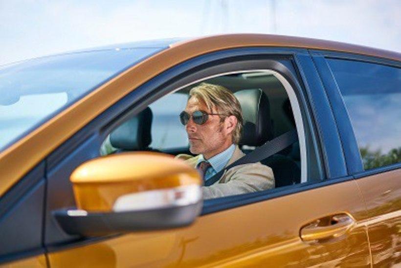 VIDEO | Mads Mikkelsen teeb Fordi lühifilmis nauditavalt mitmekihilise pahalase rolli