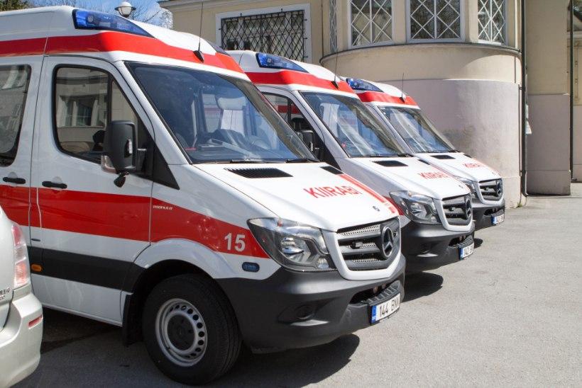 Kiirabi päästis taksos kokku vajunud inimese elu