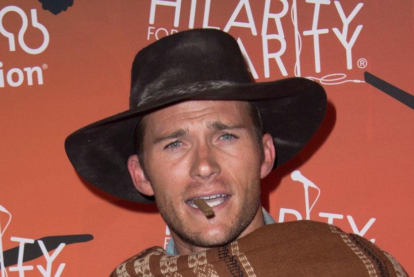 Neiud elevil: Clint Eastwoodi poeg on nägusamgi kui noorusaegade isa