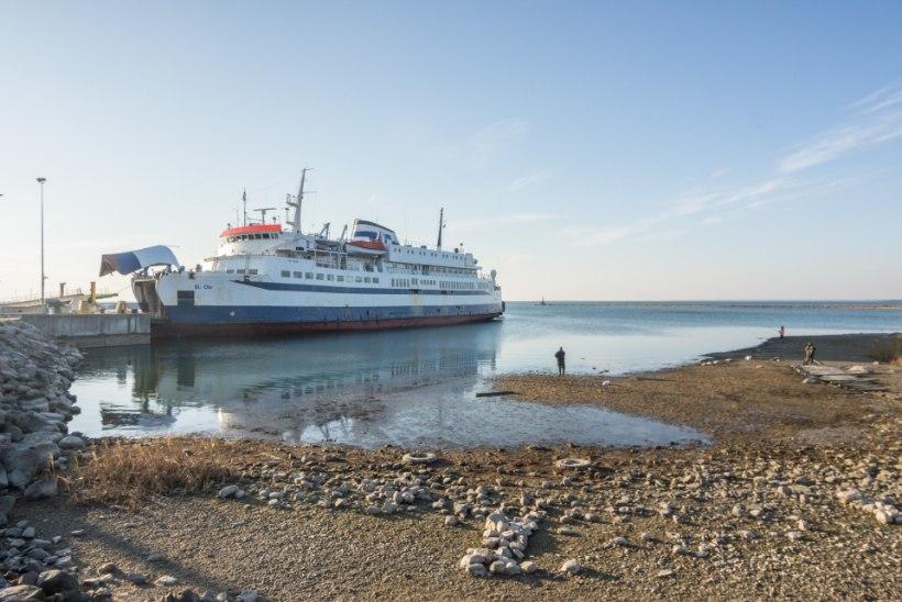 GALERII | Vähe sellest, et uued praamid hilinevad, nüüd viis loodus merevee kah minema!