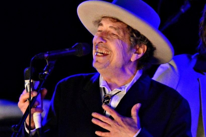 Bob Dylan käskis kodulehelt eemaldada viite Nobeli preemiale