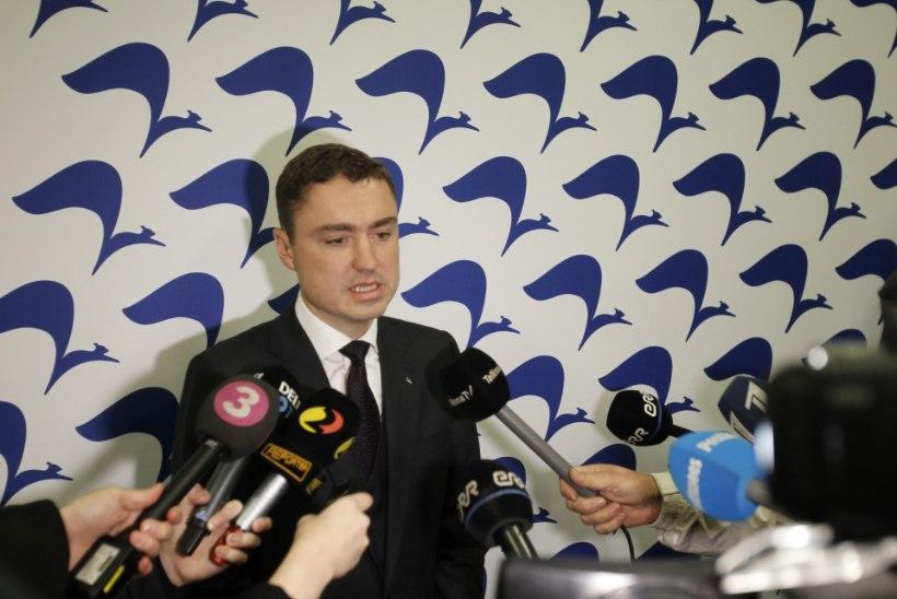 """Siim Kallas reformierakonna juhatuse koosolekult: """"Küsiti, kas teen uue partei. Ei tee!"""""""
