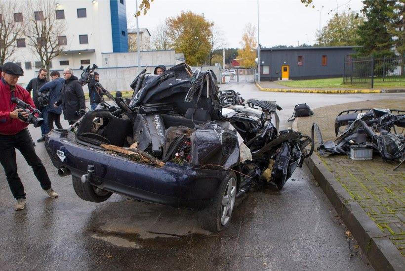 KOHTUEKSPERTIIS: surmaavarii sõiduki kiiruseks oli 140 kilomeetrit tunnis