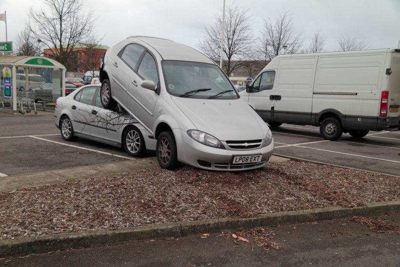 AUTOSÕIDU ABC: kõige suuremad riskid parklas ja õnnetusjuhtumi õige lahendamine