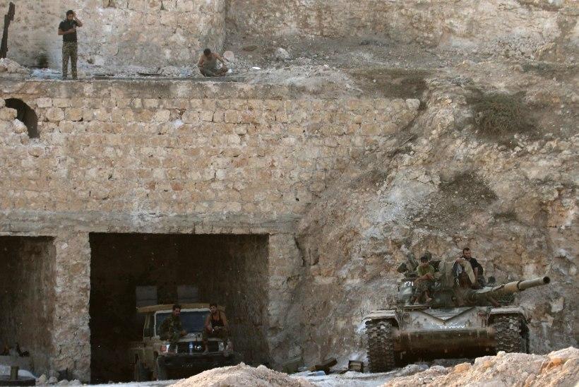 Süüria mässulised murravad Aleppo piiramisrõngast välja