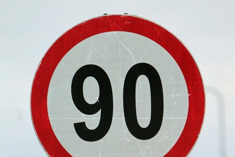 Homsest on maanteedel suurim lubatud sõidukiirus 90 km/h