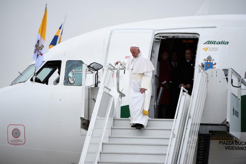 FOTOD | Paavst Franciscus saabus Rootsi