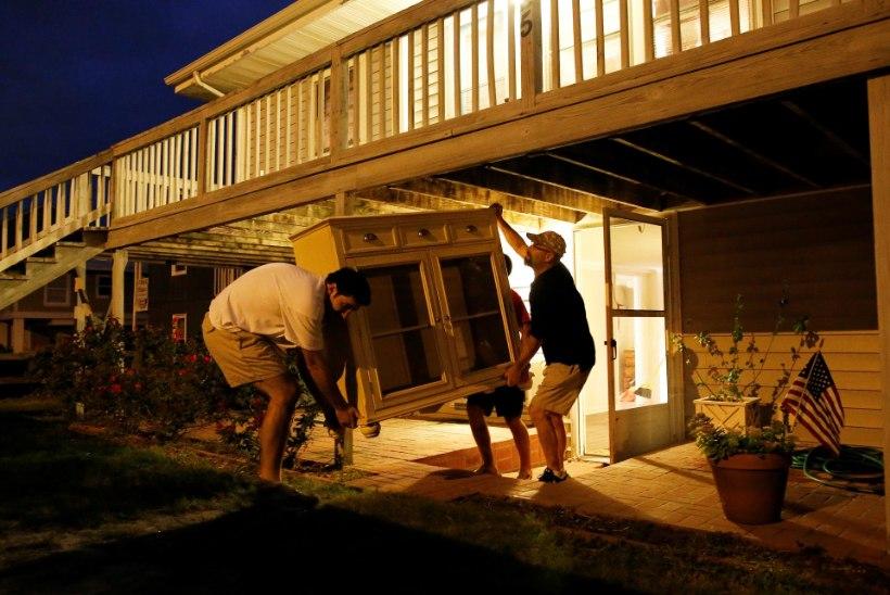 Lõuna-Carolina valmistub orkaani tulekuks, evakueeritakse miljon inimest