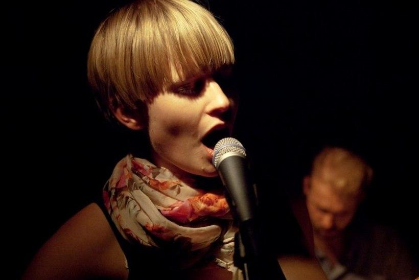 Lauljatar pühendas plaadi kuupuhastusele