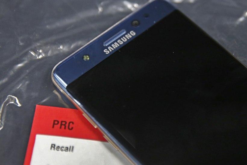 Põlema süttinud Samsungi telefoni tõttu evakueeriti lennukitäis rahvast