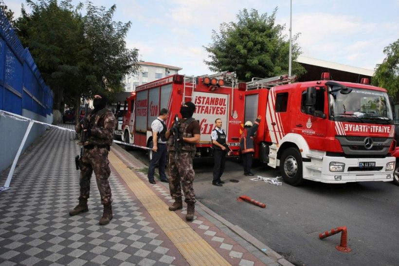 FOTOD | Atatürki lennujaama lähistel plahvatas pomm