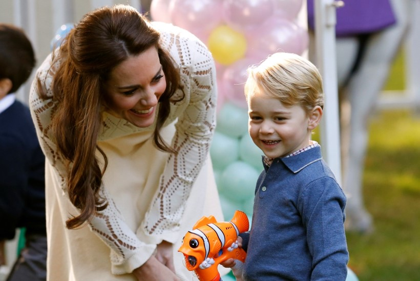 Miks kannab Briti pisiprints George alatasa lühikesi pükse?
