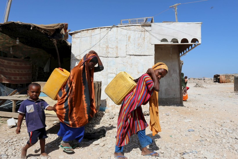 ÜRO raport: Tüdrukud kulutavad keskmiselt 40% rohkem aega majapidamistöödele kui poisid