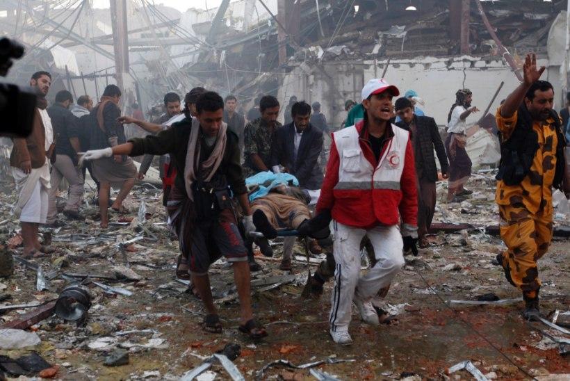 FOTOD | Jeemeni pealinnas sai õhurünnakus surma üle 140 inimese