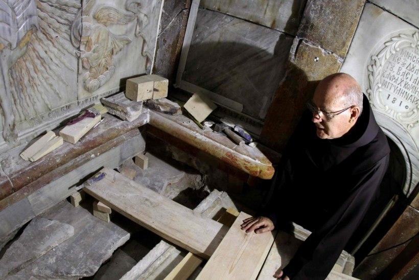 Arheoloogid avasid Jeesuse haua. Vaid 60 tunniks