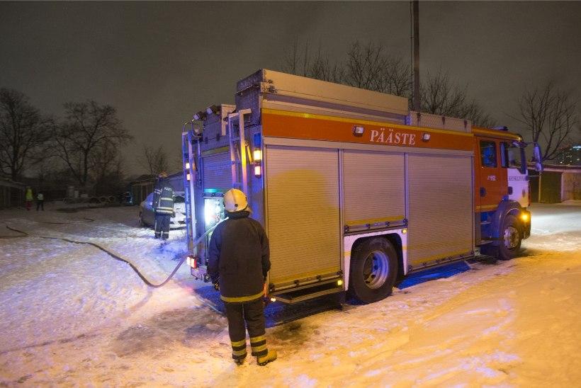 Krimiteated neljapäeval: Tartumaal põles jäätmekäitluskeskus!