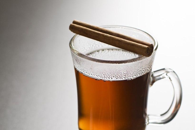 HÄMMASTAVALT TÕHUS: Valmista lihtne jook, mis põletab rasvad särinal