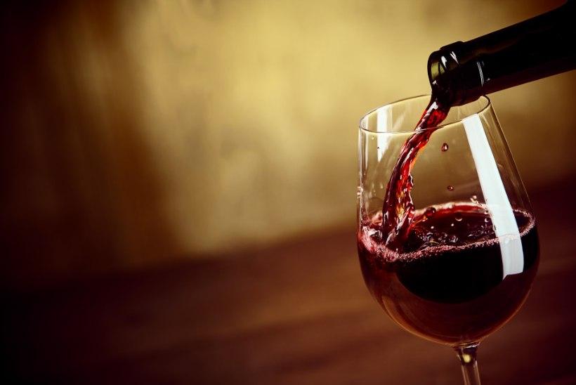 Miks hakkab pärast veini joomist pea valutama?
